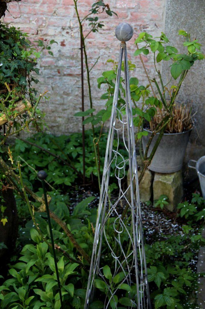 pergola avec banc de jardin